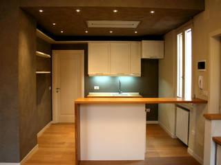 Modern kitchen by Architetto Luigi Pizzuti Modern