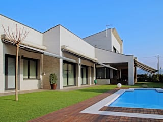 Modern Kitchen by Atres Arquitectes Modern Bricks
