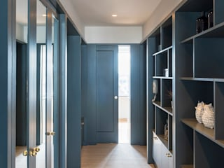 Phillimore Place Gundry & Ducker Architecture Modern corridor, hallway & stairs Wood Blue