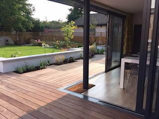 Garden Room, Private House, Redland, Bristol Modern terrace by Richard Pedlar Architects Modern