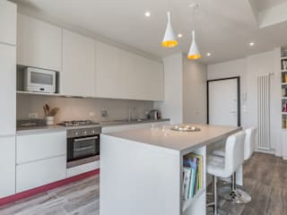 Cocinas de estilo minimalista de Facile Ristrutturare Minimalista