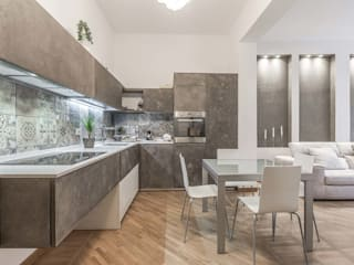 Modern Kitchen by Facile Ristrutturare Modern