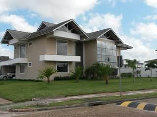Fachada: Casas  por Rmlo Arquitetura . Design . Iluminação