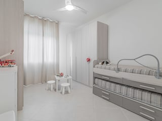 minimalistic Bedroom by Facile Ristrutturare
