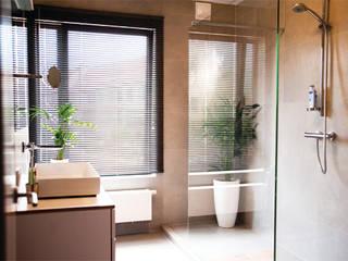 Project 02 - Volledige badkamerrenovatie: moderne Badkamer door ICONcept