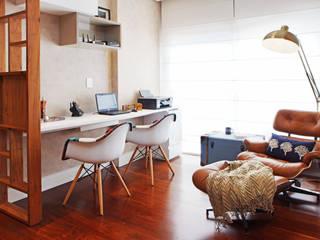 COND SOLAR VILA OLIMPIA: Escritórios  por Serra Vaz Arquitetura e Design de Interiores,