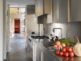 Dangle Byrd House, Koko Architecture + Design:  Kitchen by Koko Architecture + Design,