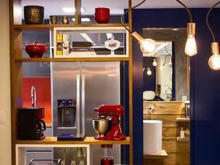 APTO SÃO CONRADO Cozinhas modernas por A MARCENARIA Moderno