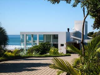 Residencia Vila Nova I: Casas  por CASA arquitetura