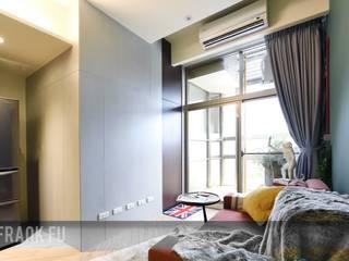 Livings de estilo moderno de 中孚 設計 / FRANKFU INERIOR DESIGN Moderno