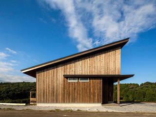 隨意取材風玄關、階梯與走廊 根據 中山大輔建築設計事務所/Nakayama Architects 隨意取材風
