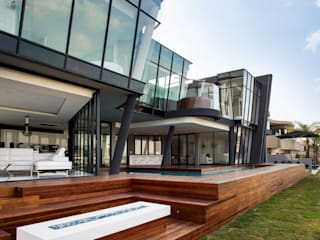 ULTRA MODERN RESIDENCE:  Houses by FRANCOIS MARAIS ARCHITECTS