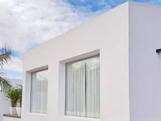 Vivienda en el norte de Tenerife Casas de estilo minimalista de Esteban Rosell Minimalista