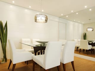 COND ILHA DE CAPRI: Salas de jantar  por Serra Vaz Arquitetura e Design de Interiores,