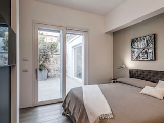 Contemporaneo Camera da letto moderna di BRANDO concept Moderno