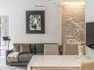 Moderne woonkamers van BRANDO concept Modern