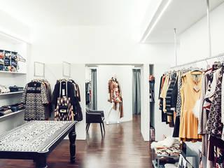 Moderne kantoor- & winkelruimten van BRANDO concept Modern