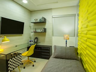 Cris Nunes Arquiteta BedroomBeds & headboards