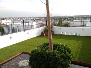 Jardines modernos: Ideas, imágenes y decoración de Arqca Moderno