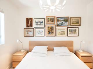 Phòng ngủ phong cách tối giản bởi Solares Architecture Tối giản