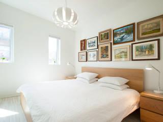 Solares Architecture Minimalist bedroom