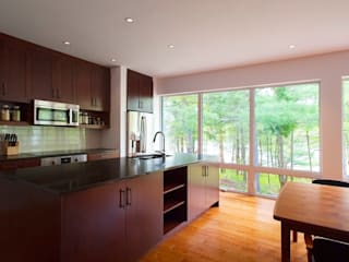 Modern kitchen by Solares Architecture Modern