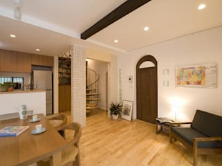 螺旋階段のある家: 株式会社スタイル工房が手掛けたです。