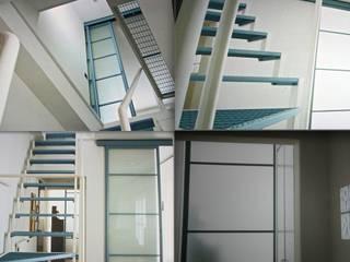 Minimalist corridor, hallway & stairs by Fabio Carria Minimalist