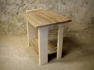 Table de chevet en érable et noyer par Le Meuble Autrement Moderne