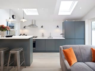 Grey Handleless Kitchen Modern kitchen by Just Click Kitchens Modern