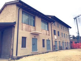 Ristrutturazione fabbricato rurale: Case in stile  di MZ Studio Architettura Ingegneria