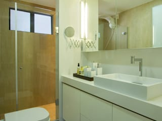 Ванные комнаты в . Автор – Cris Nunes Arquiteta,