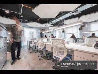 Escritório Moderno e Funcional com Estilo Industrial e Urbano Lojas & Imóveis comerciais industriais por Lnormand Interiores Industrial