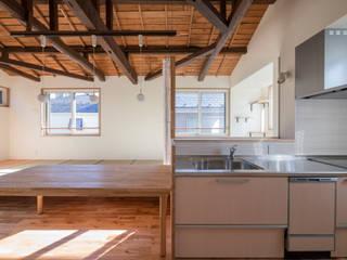 猫と茶の間暮らし すくすくリノベーションvol.8 ラスティックデザインの キッチン の 株式会社エキップ ラスティック
