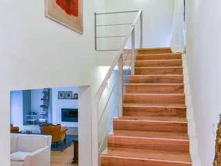 Moderne gangen, hallen & trappenhuizen van Claude Petarlin Modern
