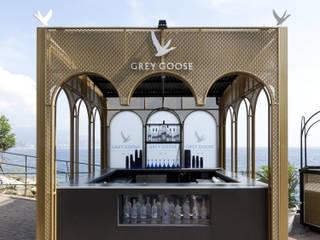 Bar esterno Grey Goose: Bar & Club in stile  di llabb