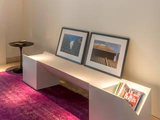 Decoração e Móveis de Apartamento estilo Clássico de 290m2 nos Jardins Corredores, halls e escadas modernos por Lnormand Interiores Moderno