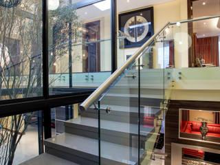 Couloir, entrée, escaliers modernes par FRANCOIS MARAIS ARCHITECTS Moderne