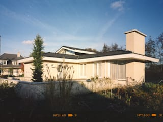 Eclectic style houses by Voets Architectuur en Stedenbouw Eclectic