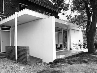 Modern houses by Voets Architectuur en Stedenbouw Modern