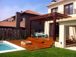 VIER ABINET S.A. Pisos & Decks Jardines de estilo moderno Madera maciza Acabado en madera
