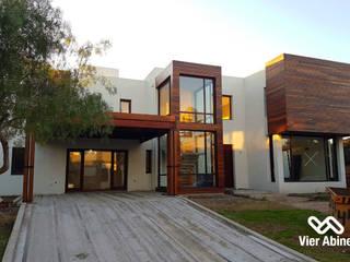 VIER ABINET S.A. Pisos & Decks Casas de estilo moderno Madera Acabado en madera