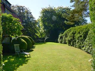 Classic style garden by Munder und Erzepky Landschaftsarchitekten Classic