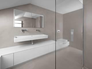 B01 | Fugenloses Bad Minimalistische Badezimmer von GRIMM ARCHITEKTEN BDA Minimalistisch