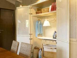 Planchador (toma más en detalle) Cocinas de estilo rústico de DEULONDER arquitectura domestica Rústico