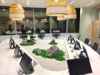 Paisajismo de interior en Orange Sevilla Landscapers Edificios de oficinas de estilo asiático Piedra Blanco