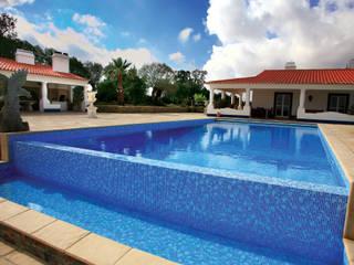Soleo Modern pool