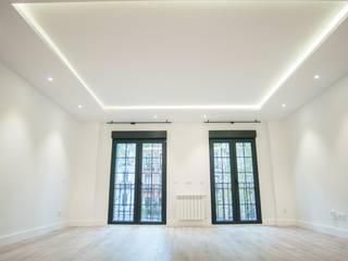 Reformadisimo Balcones, porches y terrazasIluminación