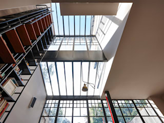 Double Height Glazed Industrial Style Steel Frame Extension Trombe Ltd Puertas y ventanas modernas Metal Negro