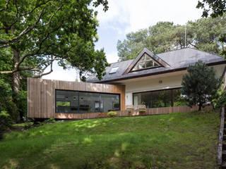 Floating House Modern garden by Footprint Architects Ltd Modern